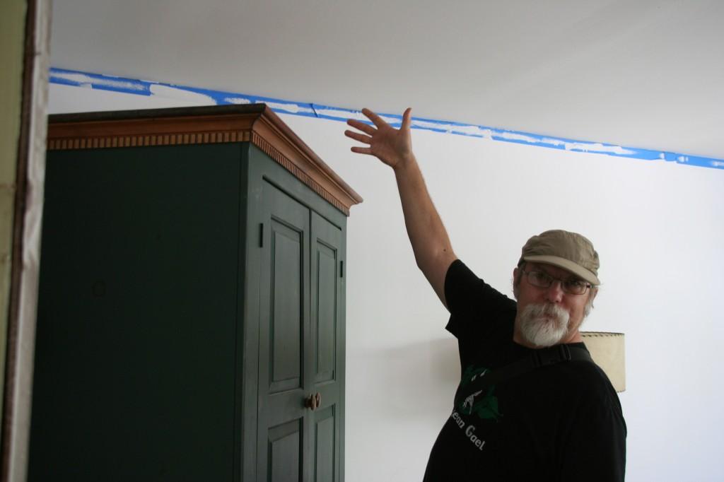 Mark Knobil tests shelf height